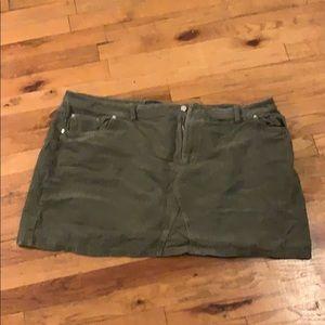 Velvet forest green mini skirt!